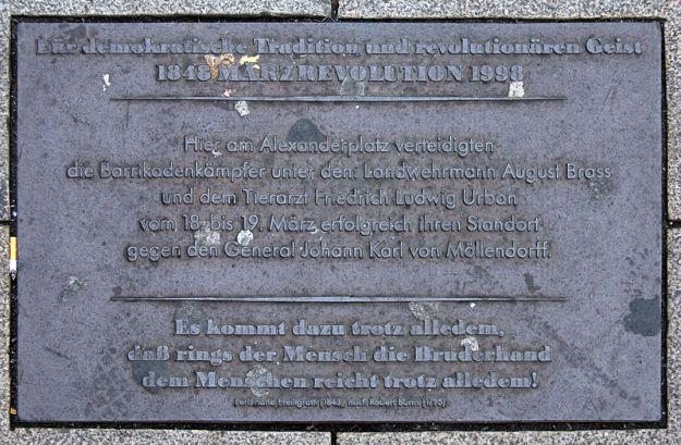 OTFW (CC BY-SA 3.0) Gedenktafel, Deutsche Revolution 1848/1849, Alexanderplatz, Berlin-Mitte, Deutschland